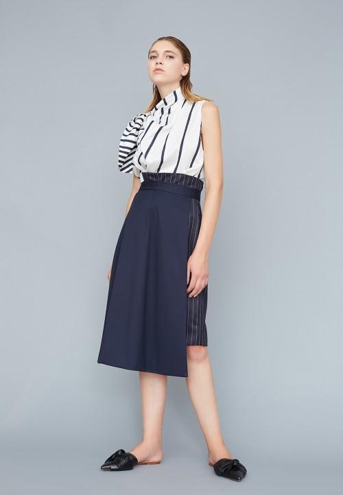 Le 401 - Asymmetric high-waisted skirt half-flared, half-straight