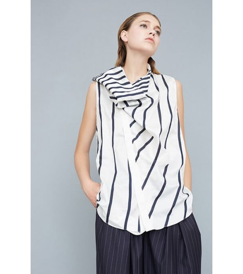 Le 502 - Asymmetric top with draped effact