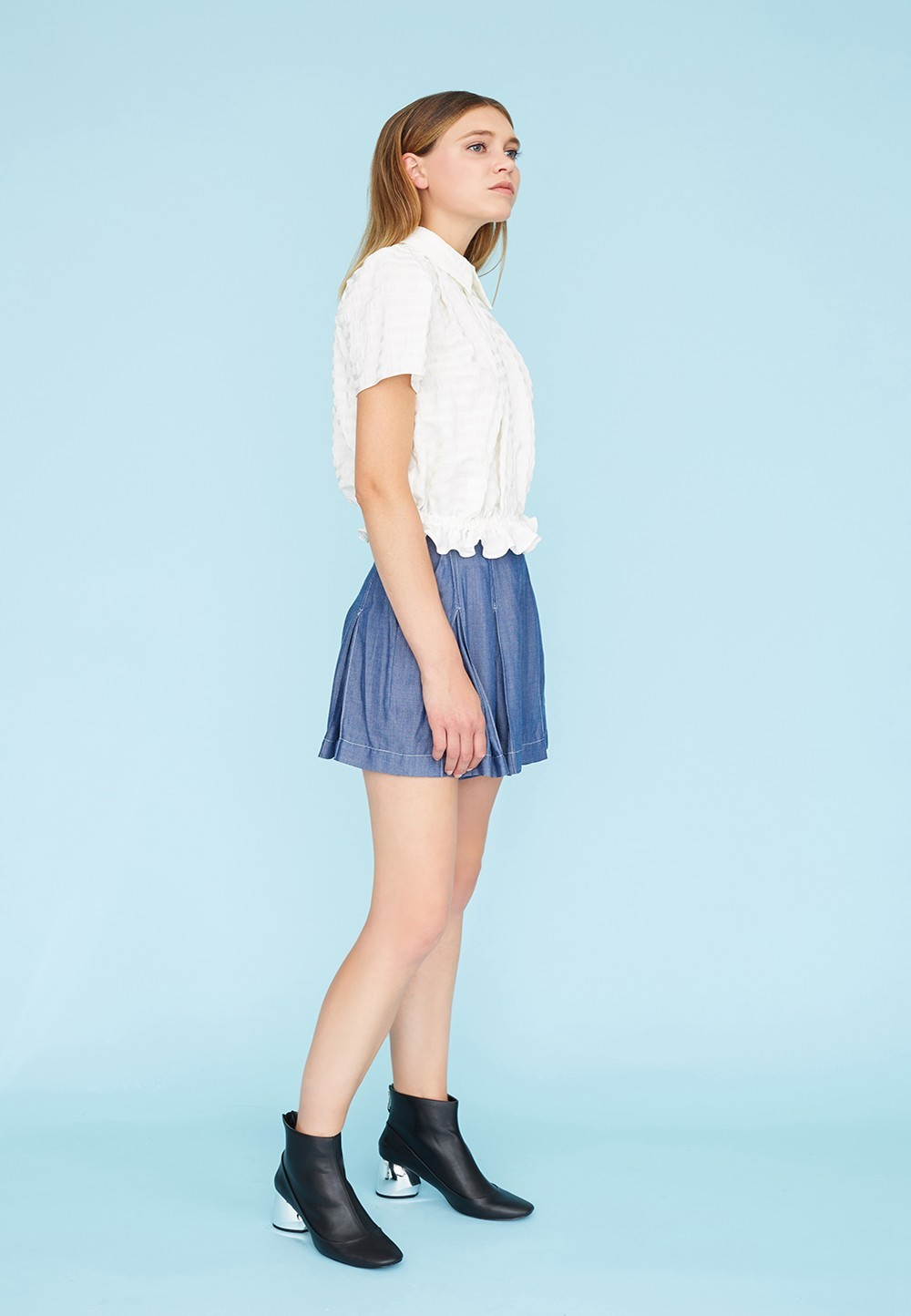 a15e02548 Blouse with box pleats and elasticated waist