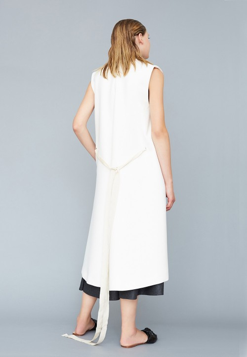 Sleeveless coat and gilet