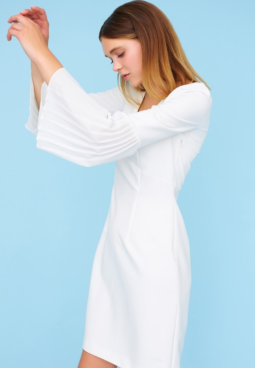 Two-piece dress with pleated sleeves