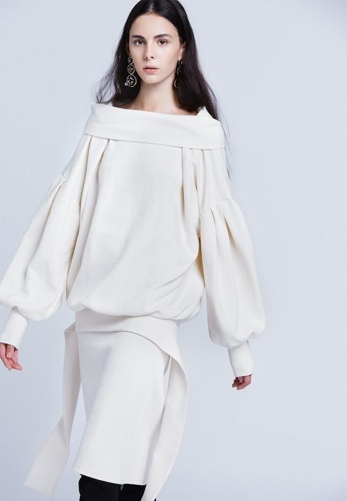 Le 000 Robe longue blousante avec col retourné