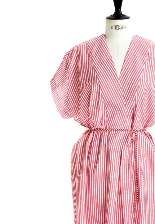 Le_5002 Tunique/robe manches basses et profond décolleté