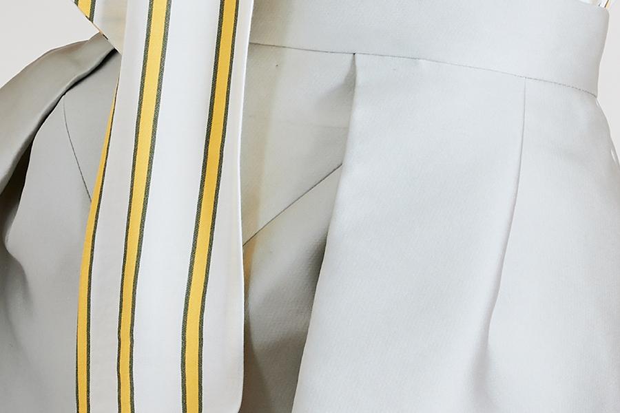 Le 412 EMMA Jupe droite à empiècement et plis couchés/à plis couchés gris