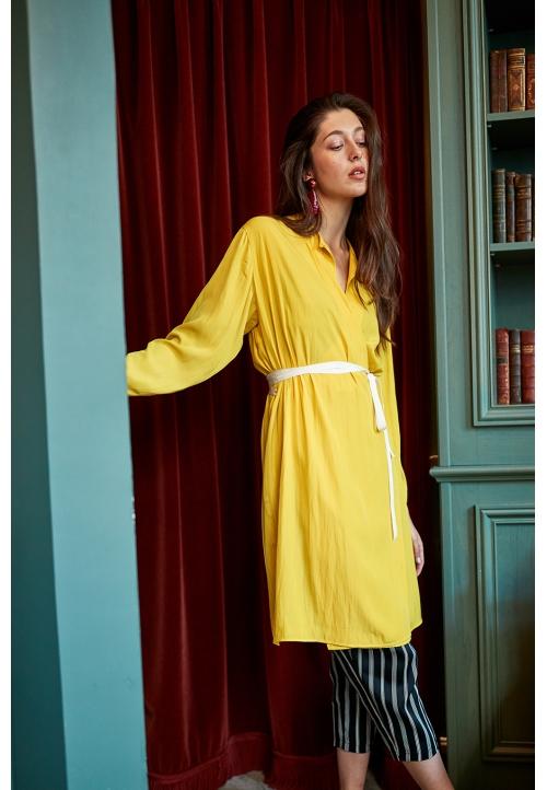 Le 912 Eve Robe effet portefeuille à manches longues jaune