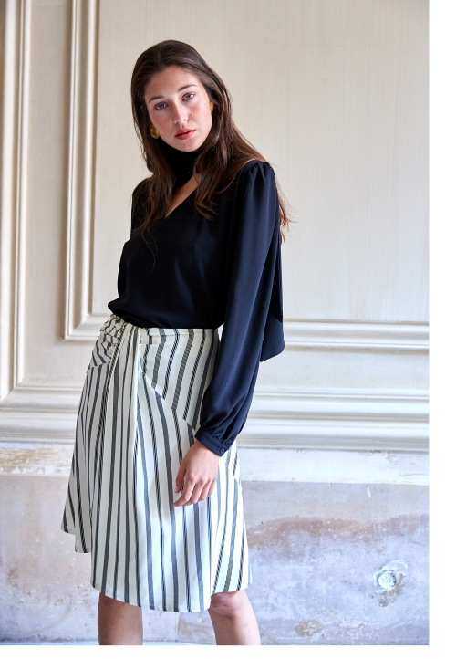 Le 417 Aude Flared and drapery skirt black white