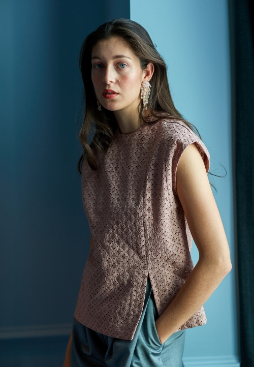 Le_504 Top with asymetric seam detailing nude