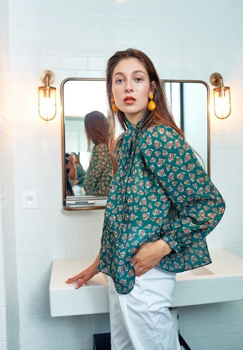 Le 608 Léa Tie-neck blouse green fish