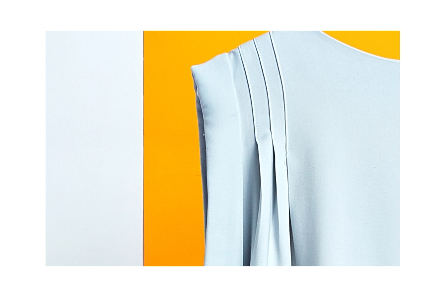 Le 5005 PDF Top Sleeveless pleated blouse